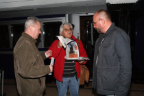 Mai 2008. Gara de Nord, București. �naintea �mbarcării �n Trenul Regal. Cu Ioan Es. Pop și Dan Cristea