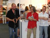 T�rgul de Carte Bookfest. Cu Nicolae Tzone și Felix Nicolau, la lansarea volumului Institutul de Poezie Legală