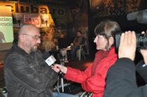 2011. Cu poeta Ileana B�ja, �naintea unei lecturi la Club A