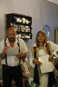 2013. Lisabona. �mpreună cu actriţa Luminiţa Pereira, la cafeneaua Orfeu. Lectură de poezie �n cadrul Note de Literatura Europeia